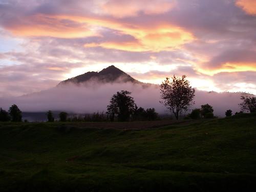 mountains latinamerica fog clouds sunrise guatemala centralamerica centroamerica