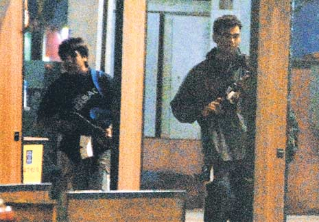 terrorists at Mumbai with AK 47