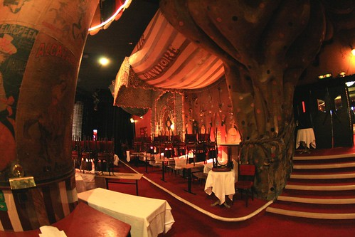 The moulin rouge architecturebehindmovies for Burlesque bedroom ideas