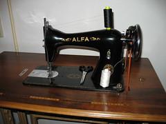 art(0.0), wheel(0.0), drink(0.0), sewing machine(1.0), iron(1.0),