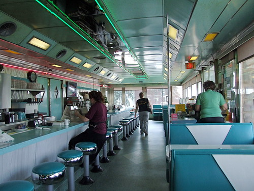 Airport diner interior 2 u s 222 kuntztown pa a photo for Diner interior