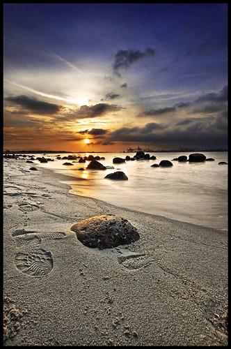 longexposure sunset sea sky cloud seascape beach coast sand rocks 1022mm dri footprint canon1022 digitalblending 5exp darrellneo