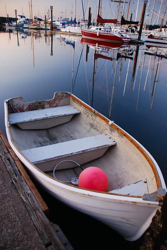 morning reflection water marina sunrise dawn boat washington olympicpeninsula porttownsend pugetsound portfolio show5 cssvaca1020 011309supertag
