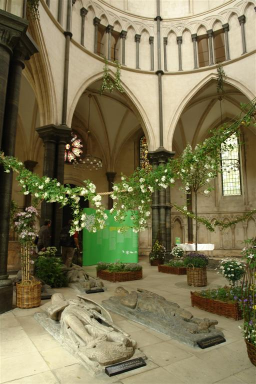 El entorno y zona de la iglesia en la que se encuentran las efigies es preciosa, es un lugar muy bonito La iglesia del Temple de Londres y sus historia de Templarios - 2964270170 c049a04108 o - La iglesia del Temple de Londres y sus historia de Templarios
