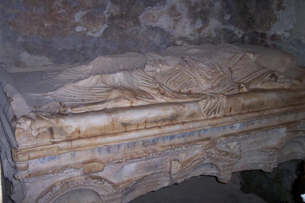 Tumba original de San Nicolás en la iglesia en la que fue Obispo Santa Claus y su vida en Turquía - 2512711399 38d253d19b o - Santa Claus y su vida en Turquía