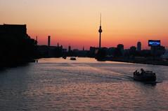 Sonnenuntergang hinter dem Berliner Fernsehturm