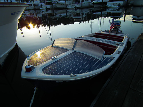 morning sunrise boat dew wa pugetsound pnw gigharbor chriscraft 2011 1bluecanoe