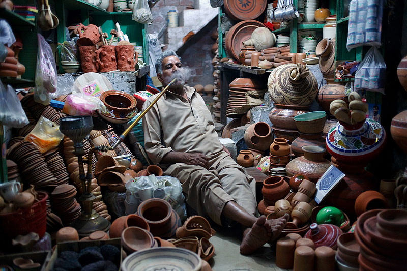 Pottery seller - Lahore, Pakistan