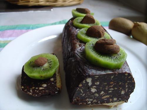 chocolate pastel kiwi pastelería baki kuirarto pasteldechocolateykiwisemmagoldman kukoelĉokoladokajkivojemmagoldman