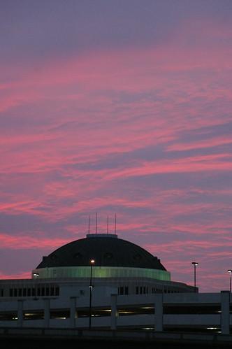 pink sky sun clouds sunrise dawn orlando florida cityhall dome daybreak skytheme photobymikewacht