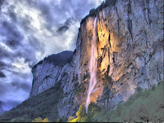 Salt de Lauterbrunnen / Cascada de Lauterbrunnen / Lauterbrunnen Waterfall / Lauterbrunnen Wasserfalle