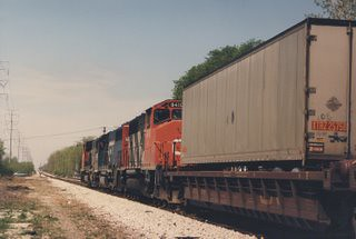 Northbound GTW intermodal train approaching Chicago's Marquette Park at west 71st Street. Chicago Illinois. May 1987. by Eddie from Chicago