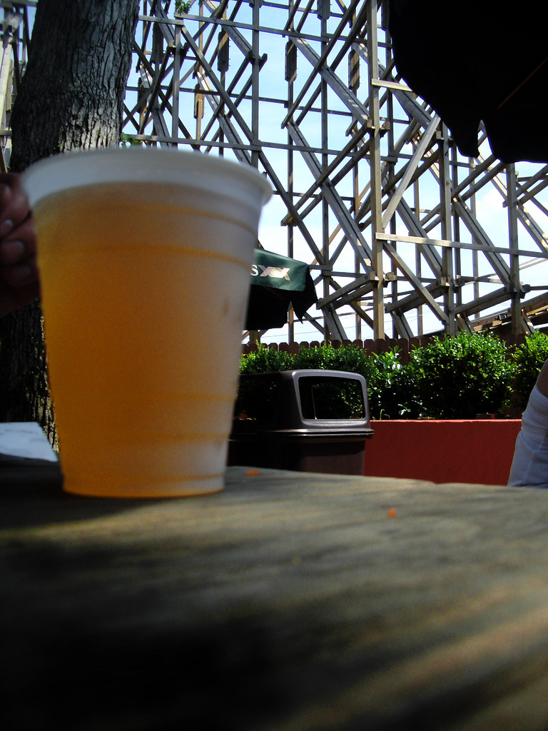 Dos Equis @ Six Flags. (77/365)