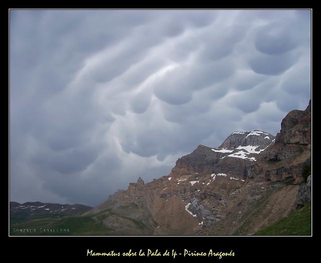 Las nubes de la ira - Mammatus sobre la Pala de Ip