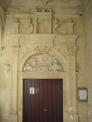 Cour de l'hôtel d'Escoville (4)