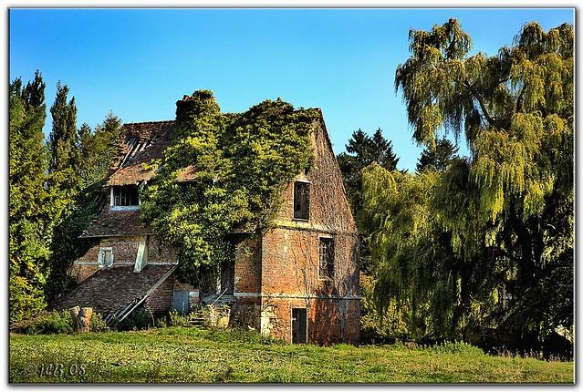 La maison abandonn e elbeuf en bray normandie france flickr phot - Maison abandonnee en france ...