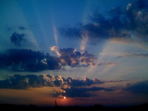 sun clouds sunrise sunrays kcmo davidpoe iphone takenwithiphone thedavidpoeshow richardsgebaurairforcebase