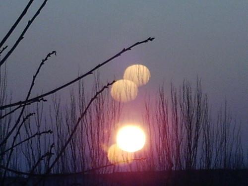 El sol y sus reflejos.