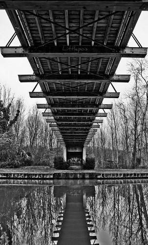 bridge france canal noiretblanc pentax pont aficionados passerelle sigma1770mm k10d flickrdiamond justpentax goldstaraward mailciler littlepois unusualviewsperspectives