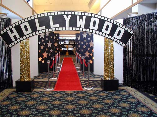 restaurant reservation hollywood party decorations