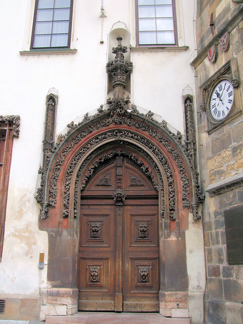 Gothic door to the old town hall prague late gothic for Door z prague