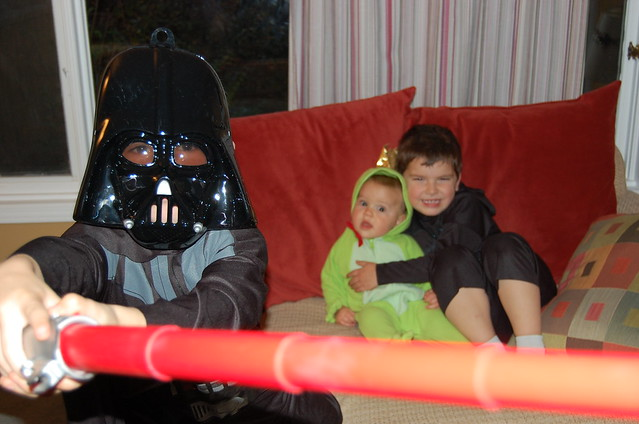 In which the evil Lord Vader protects the innocent Frog Prince and half-Batmanned Bruce Wayne from the evil Mamarazzi