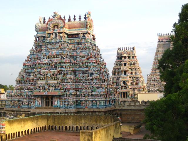 2679863790 f5b1dcec64 z - Los templos Vímana en la India