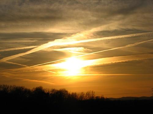 sunset virginia contrails shenandoahvalley augustacounty ericbeyeler