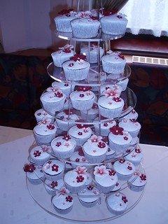 TORRE DE QUEQUES/WEDDING CUPCAKES DISPLAY