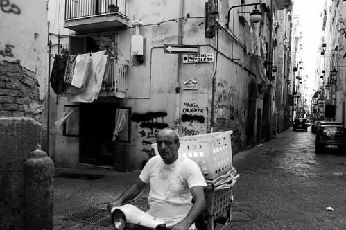 Quartieri Spagnoli - Un uomo in vespa by luigi pingitore