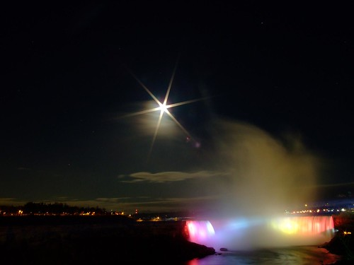 Niagara by Night | by Ashwin Kumar
