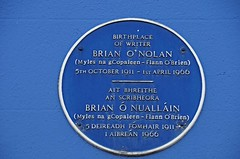 Photo of Brian O'Nolan blue plaque