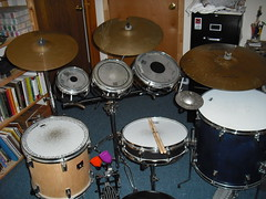 drummer(0.0), electronic instrument(0.0), tom-tom drum(1.0), percussion(1.0), bass drum(1.0), timbale(1.0), snare drum(1.0), drums(1.0), drum(1.0), timbales(1.0), skin-head percussion instrument(1.0),