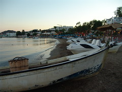 Gumbet, Bootje aan het water