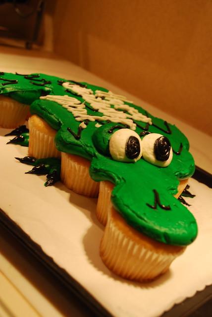 Alligator Cupcake Cake Recipe