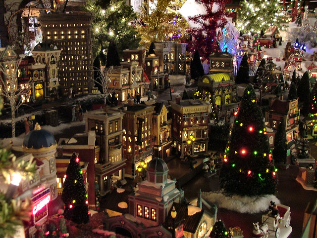 Department 56 - Christmas in the City at Night