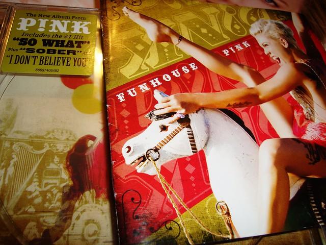 Ascoltando Funhouse - Pink...
