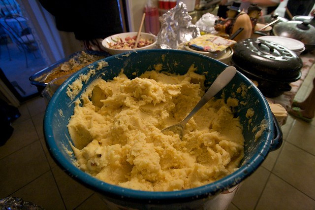 Buffet, Huge Pot of Mashed Potatoes | Flickr - Photo Sharing!