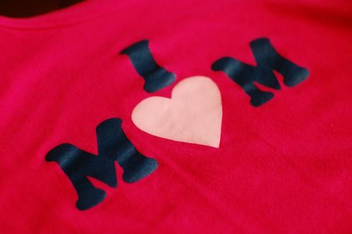 I heart mom t-shirt