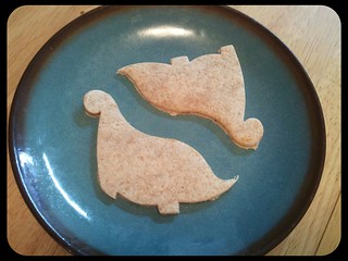 Dino pbj tortillas - cut