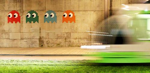 Space Invaders en la parte trasera del Guggenheim por Kurtxio