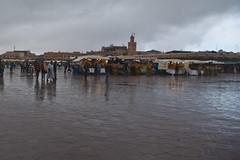 La place Jamaa El Fna sous la pluie