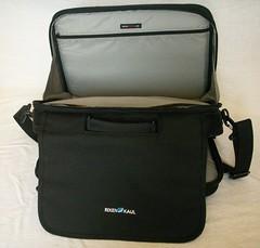 bag(1.0), hand luggage(1.0), messenger bag(1.0),