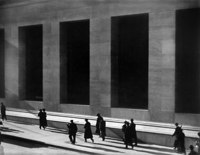 Paul Strand: Wall Street, New York City, 1915