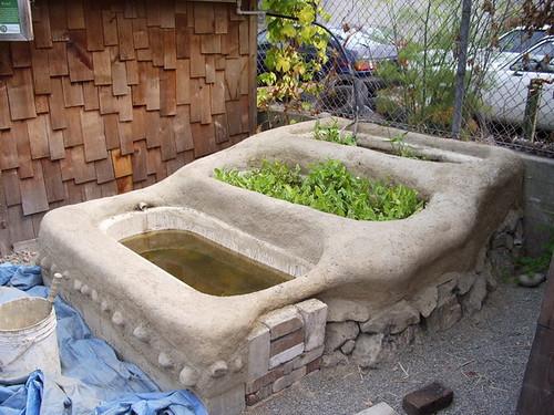Rebuild of cob bathtub ponds 2007 flickr photo sharing for Bathtub fish pond