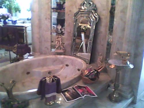 Liberace's Famous Bathtub