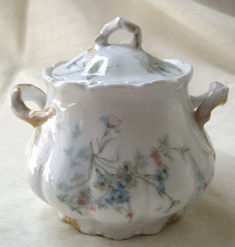 What Is the Difference Between Bone China & Porcelain?  Garden Guides