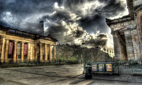 sky clouds scotland edinburgh edinburghcastle pentax explore freehand hdr nationalgalleryofscotland royalscottishacademy photomatixpro 5xp 蘇格蘭 k10d pentaxk10d