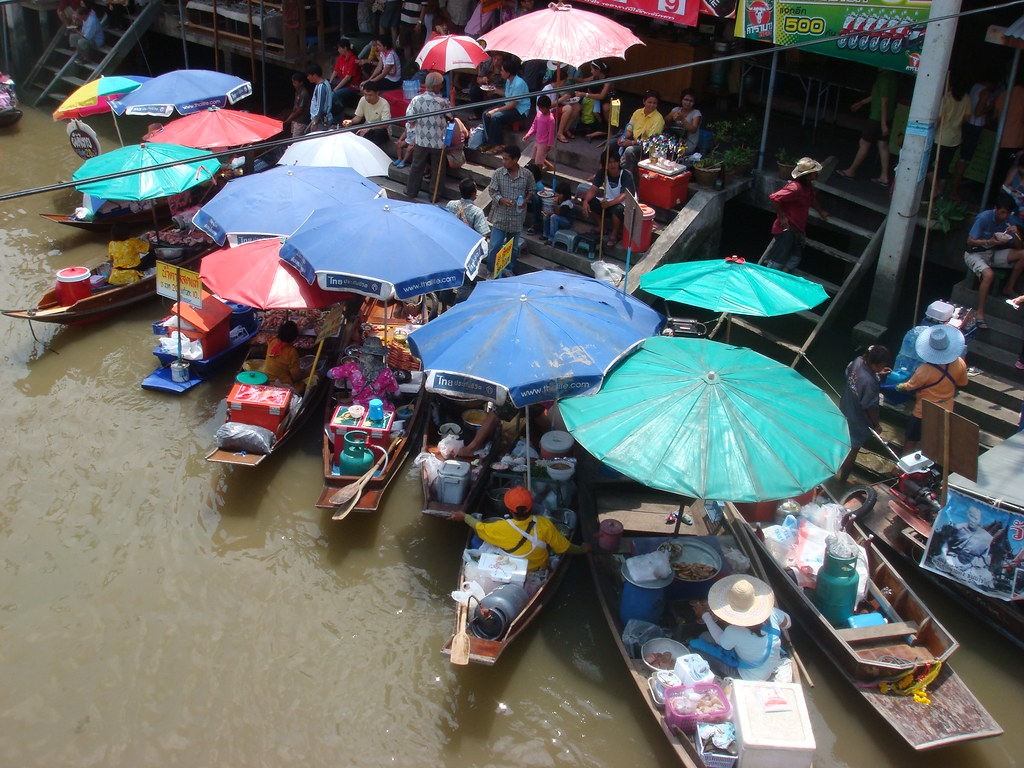 amphawa floating market daytime