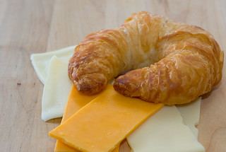 croissant & cheese